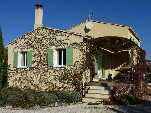 Maison moderne sans vis à vis à vendre lacoste lescale immobilière