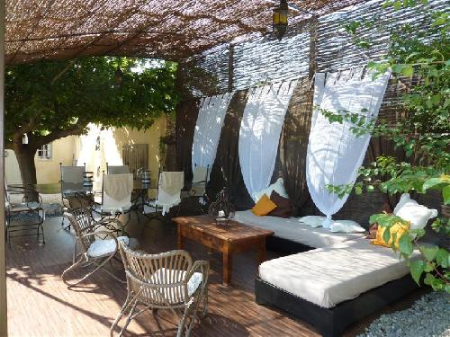 Vente luberon belle maison à ménerbes 4 chambres à vendre vaucluse 84 1 bureau dépendances terrain avec piscine garage bien vendu