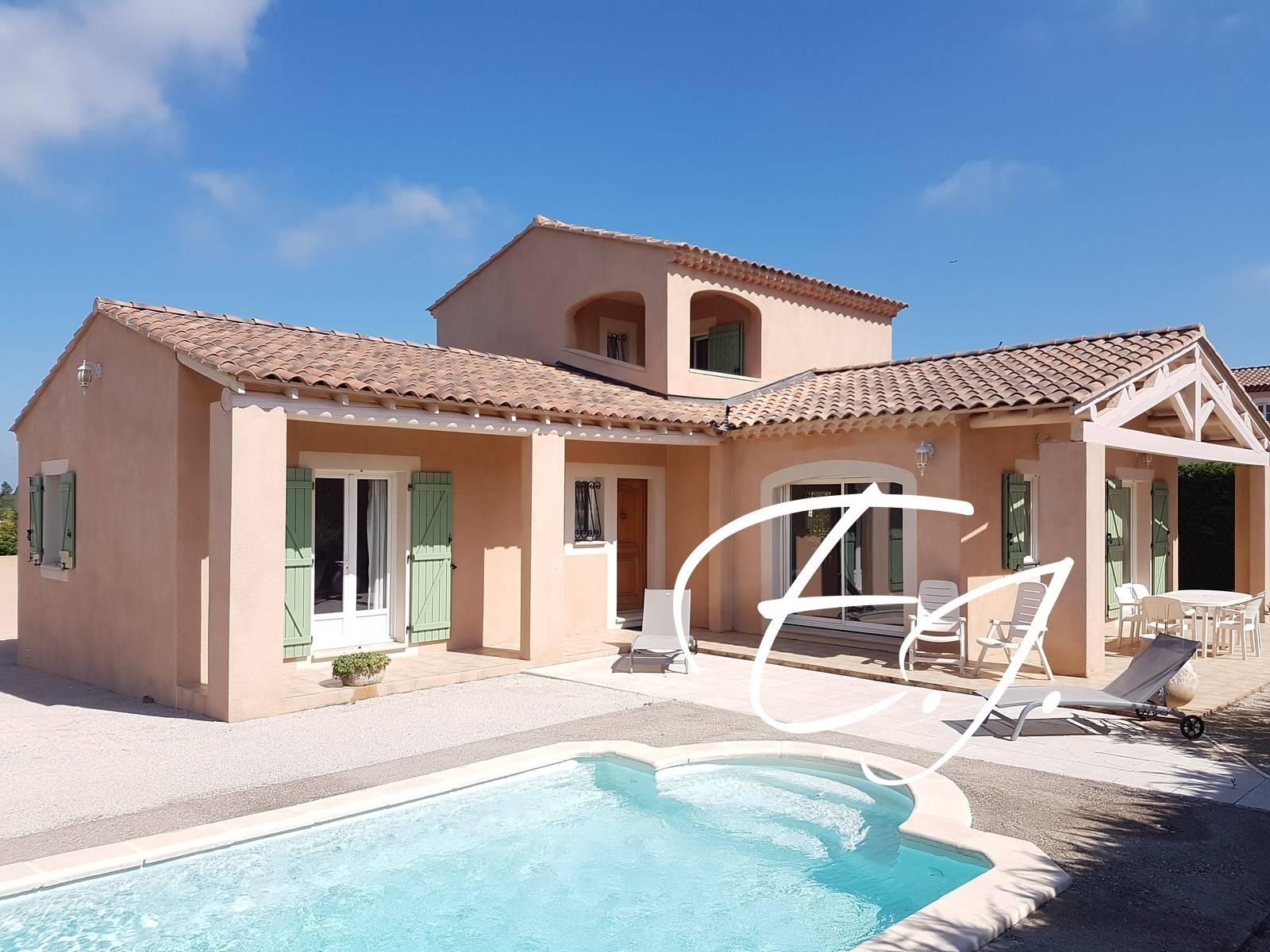 Maison T5 Robion au calme et proche commerces avec piscine et garage
