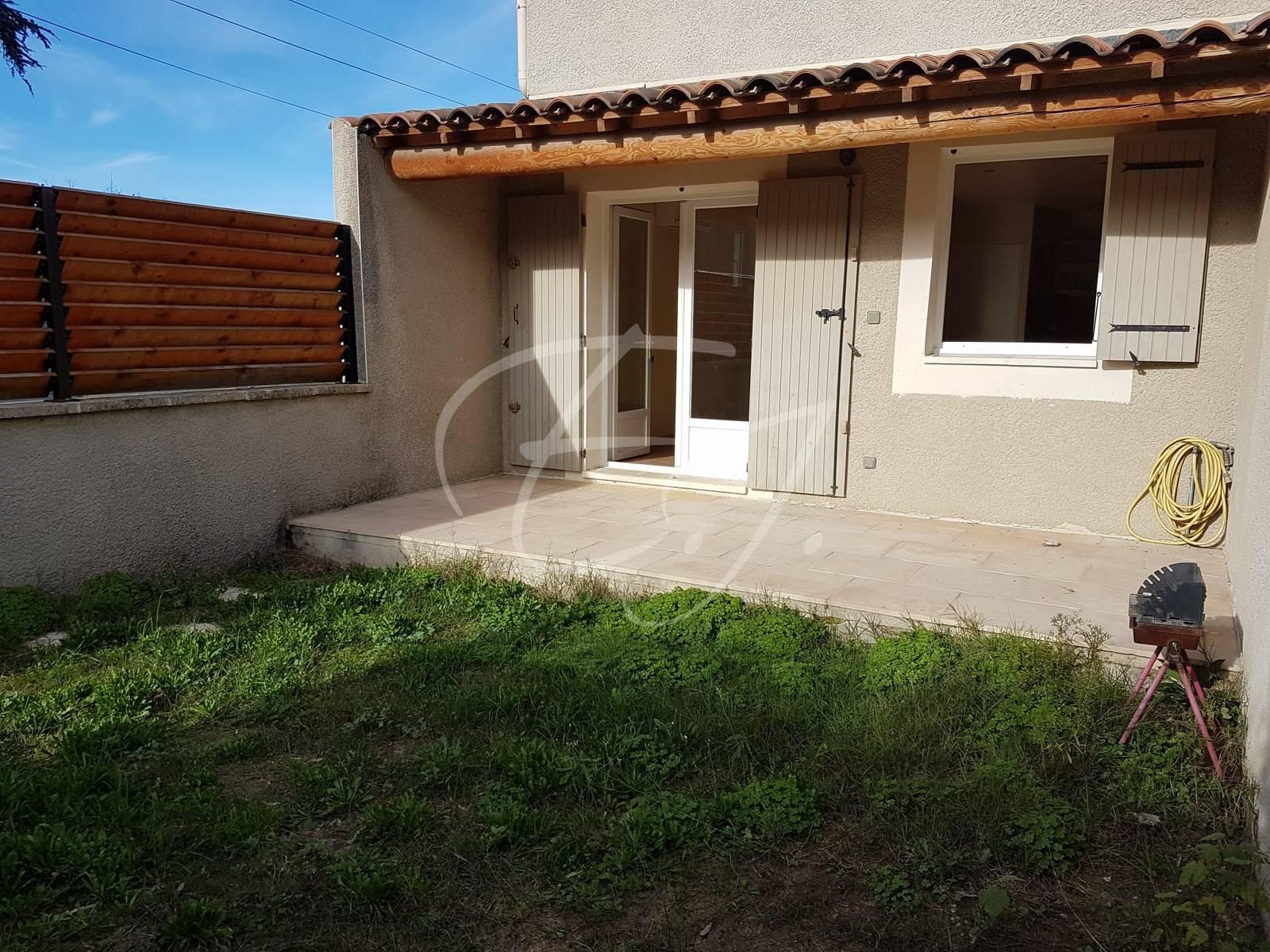 Acheter un appartement rénové avec piscine Les Vignères - L ...