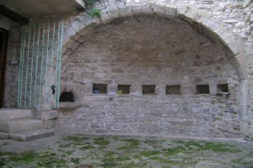 Vente Maison de village Robion au coeur du centre historique  jardin. Achat Vente
