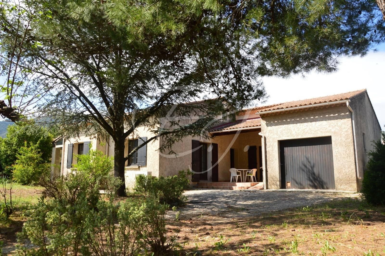 Maison T4 Maubec proche commerces avec garage et jardin