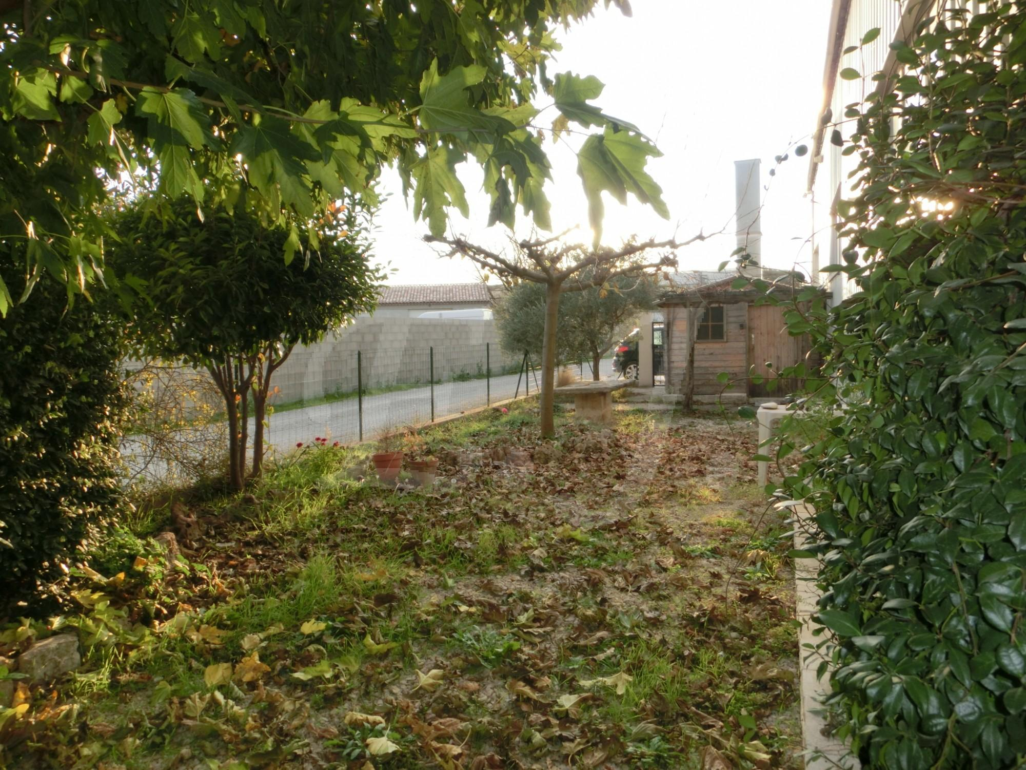 Locations appartement t4 f4 le thor spacieux appartement for Entretien jardin locataire