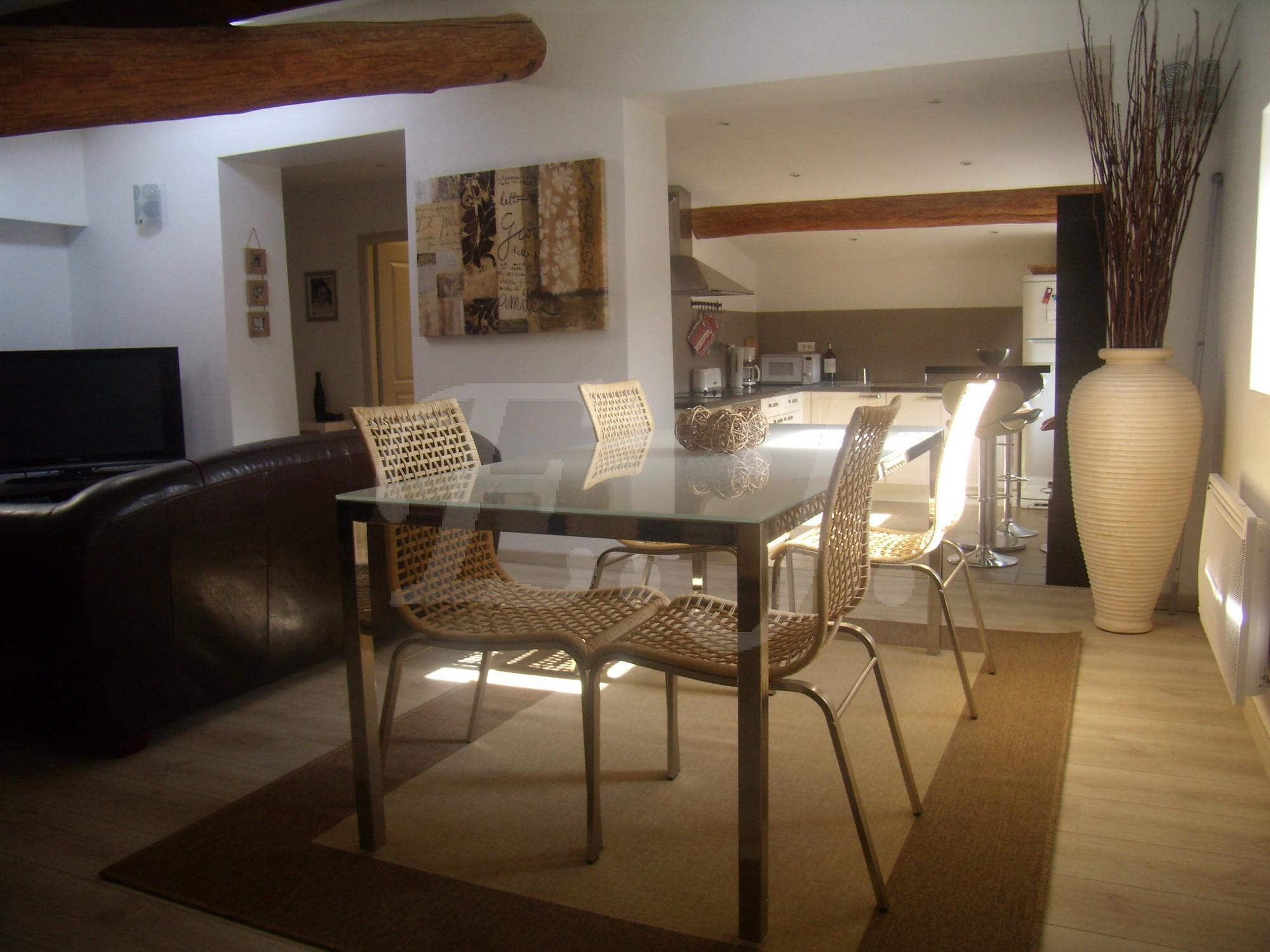 locations appartement dans r sidence t3 f3 cabri res d 39 avignon logement de standing dans un. Black Bedroom Furniture Sets. Home Design Ideas