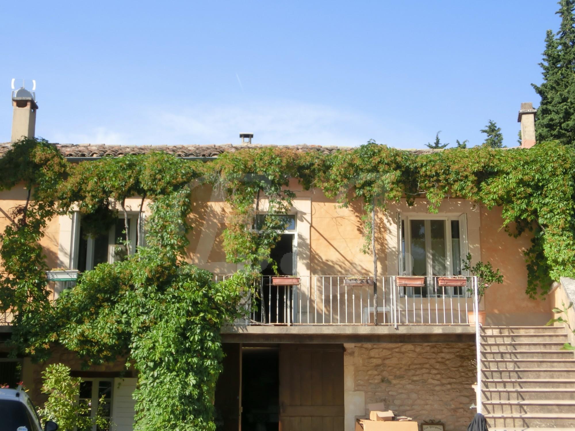 Agence Immobiliere Pour Acheter Un Garage Fontaine De Vaucluse L