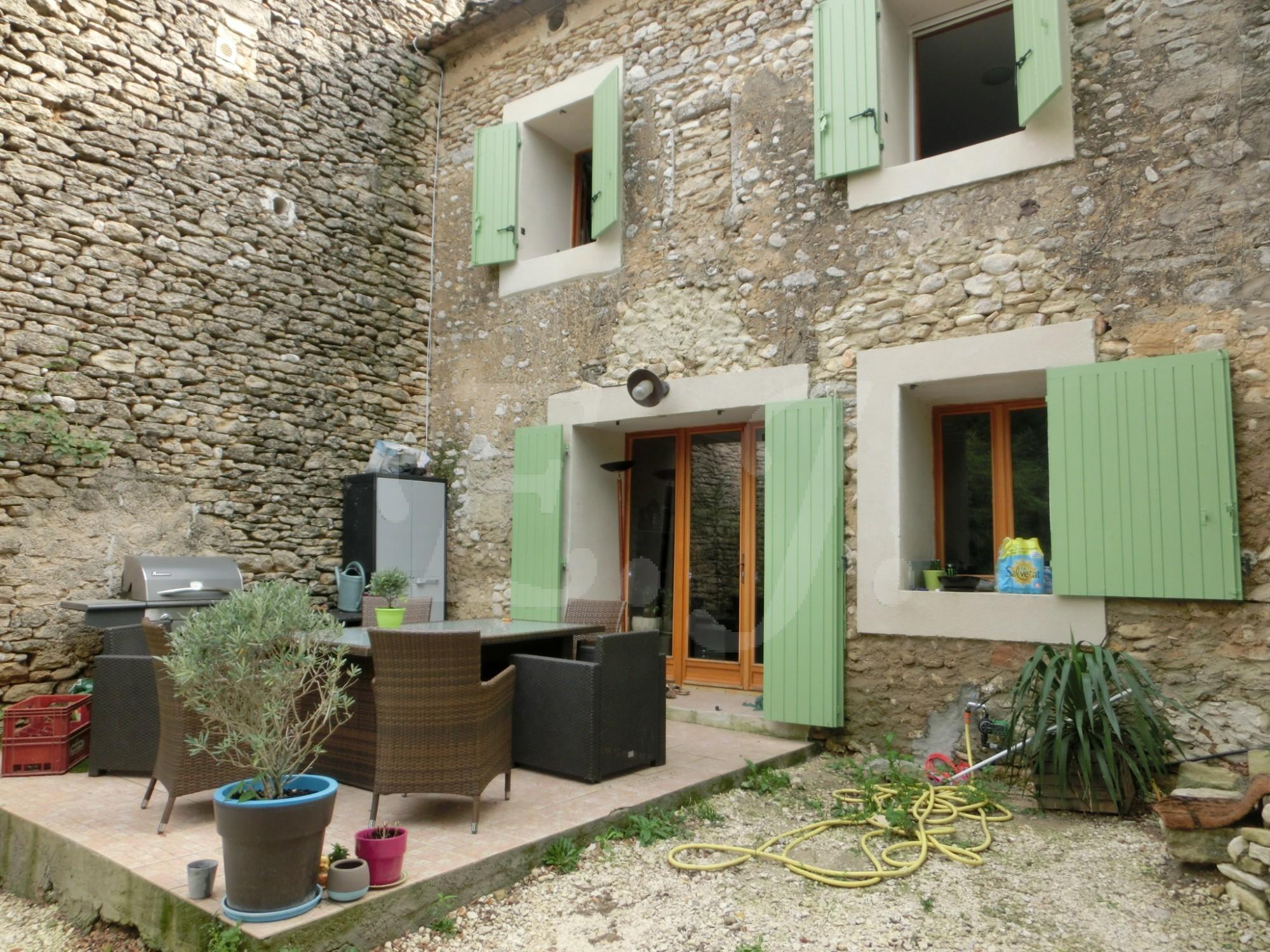 Locations maison de caractere t3 f3 cabri res d 39 avignon for Avignon location maison