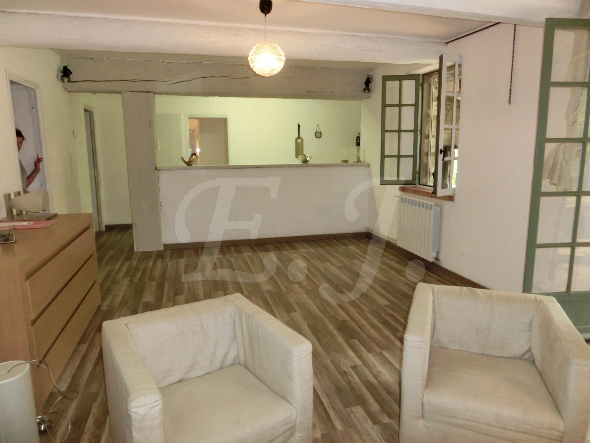Locations maison avec piscine t3 4 f3 4 gordes meubl for Location maison meuble
