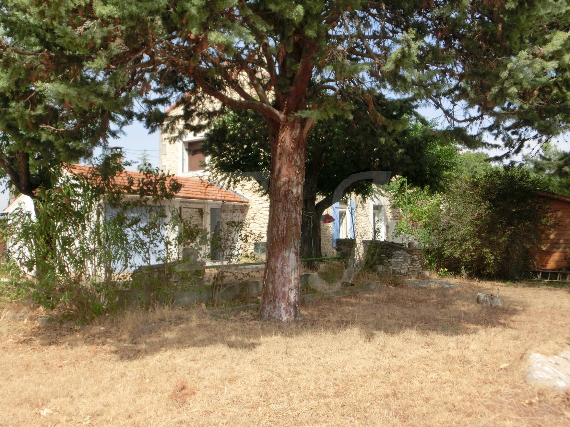 Locations maison en campagne t3 4 f3 4 robion avec un for Jardin potager a louer 78