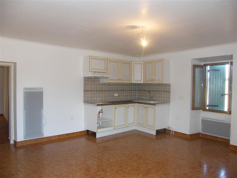 locations m nerbes appartement dans mas 2 chambres abri voiture cour a louer vaucluse l 39 escale. Black Bedroom Furniture Sets. Home Design Ideas