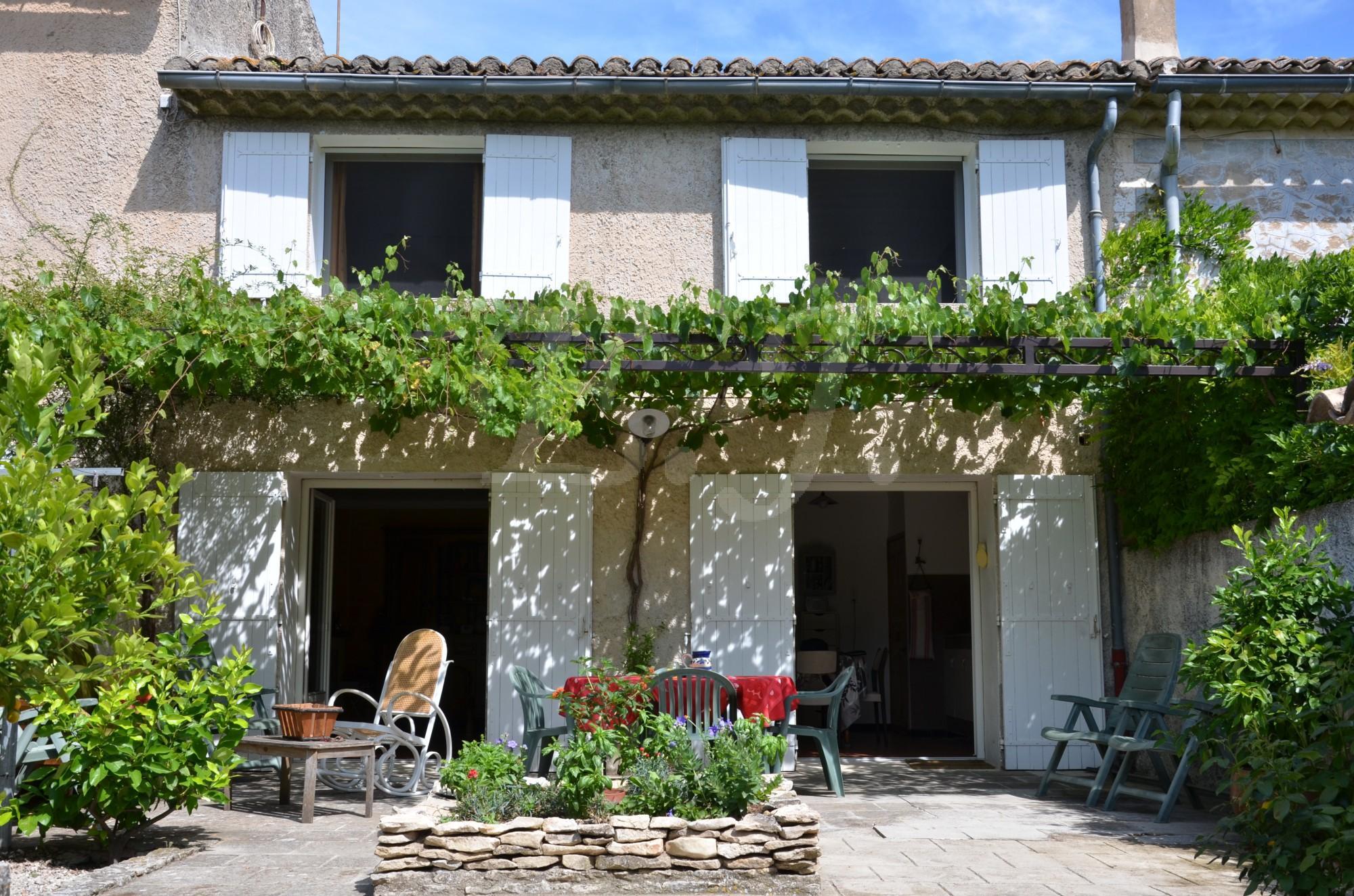 Ventes maison de village t3 f3 les taillades avec jardin for Site vente de maison