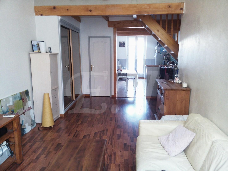 ventes appartement t3 f3 cavaillon bon tat et proche des commerces maison et villa vendre. Black Bedroom Furniture Sets. Home Design Ideas