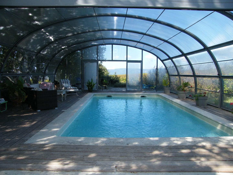 Ventes maison t6 f6 m nerbes dans environnement calme for Environnement piscine