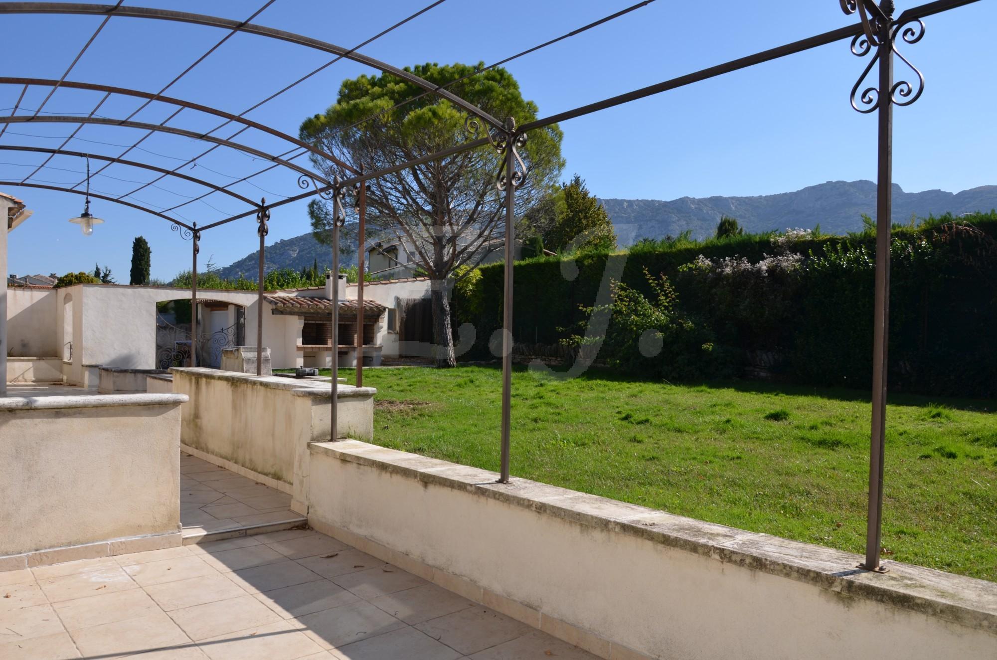 Maison moderne sans vis-à-vis à vendre Cabrières-d\'Avignon - L ...