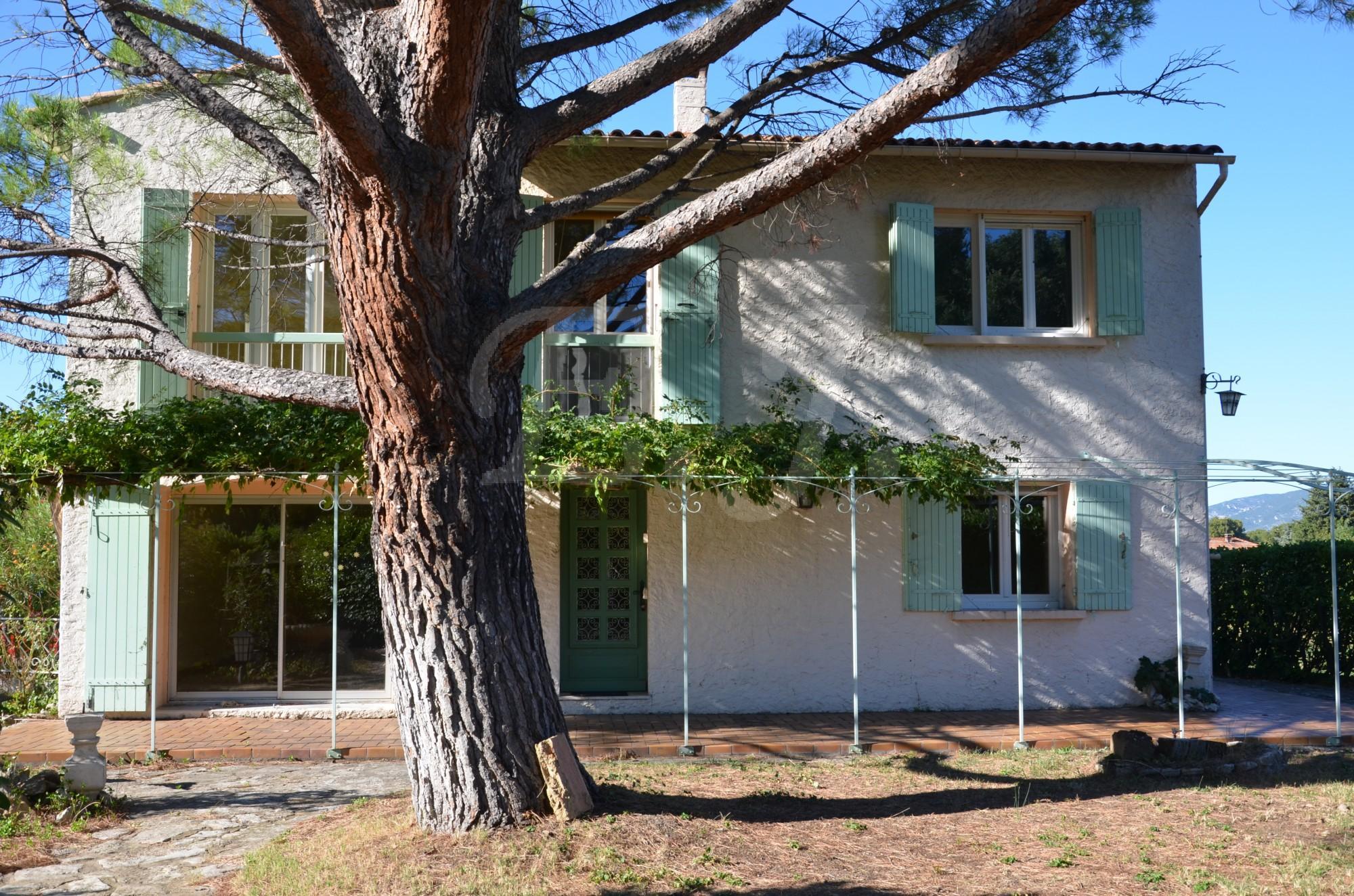 Ventes maison robion de construction traditionnelle for Vente maison en construction