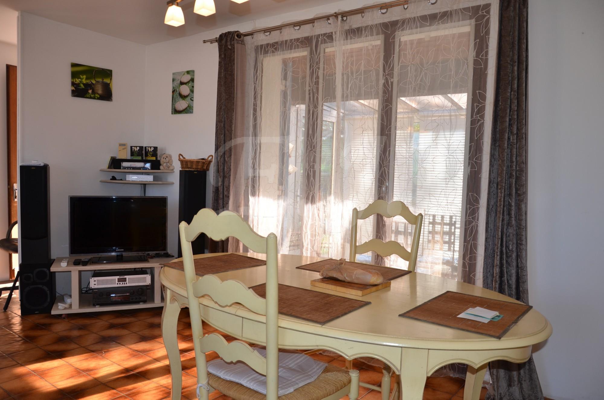 ventes maison t3 f3 gargas au coeur du village avec une vue panoramique sur les monts de. Black Bedroom Furniture Sets. Home Design Ideas