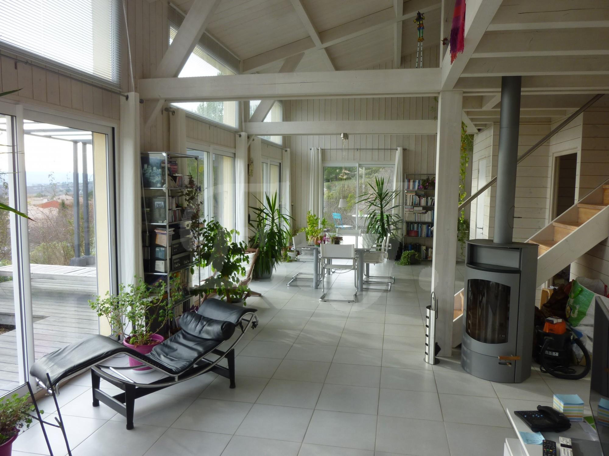 A vendre villa ecologique construction bois excellent état
