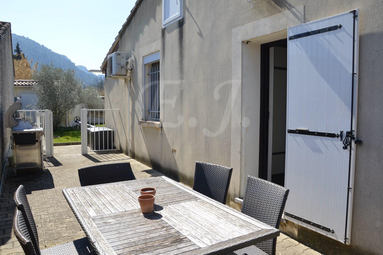 ROBION maison PP avec 4 chambres face au Luberon
