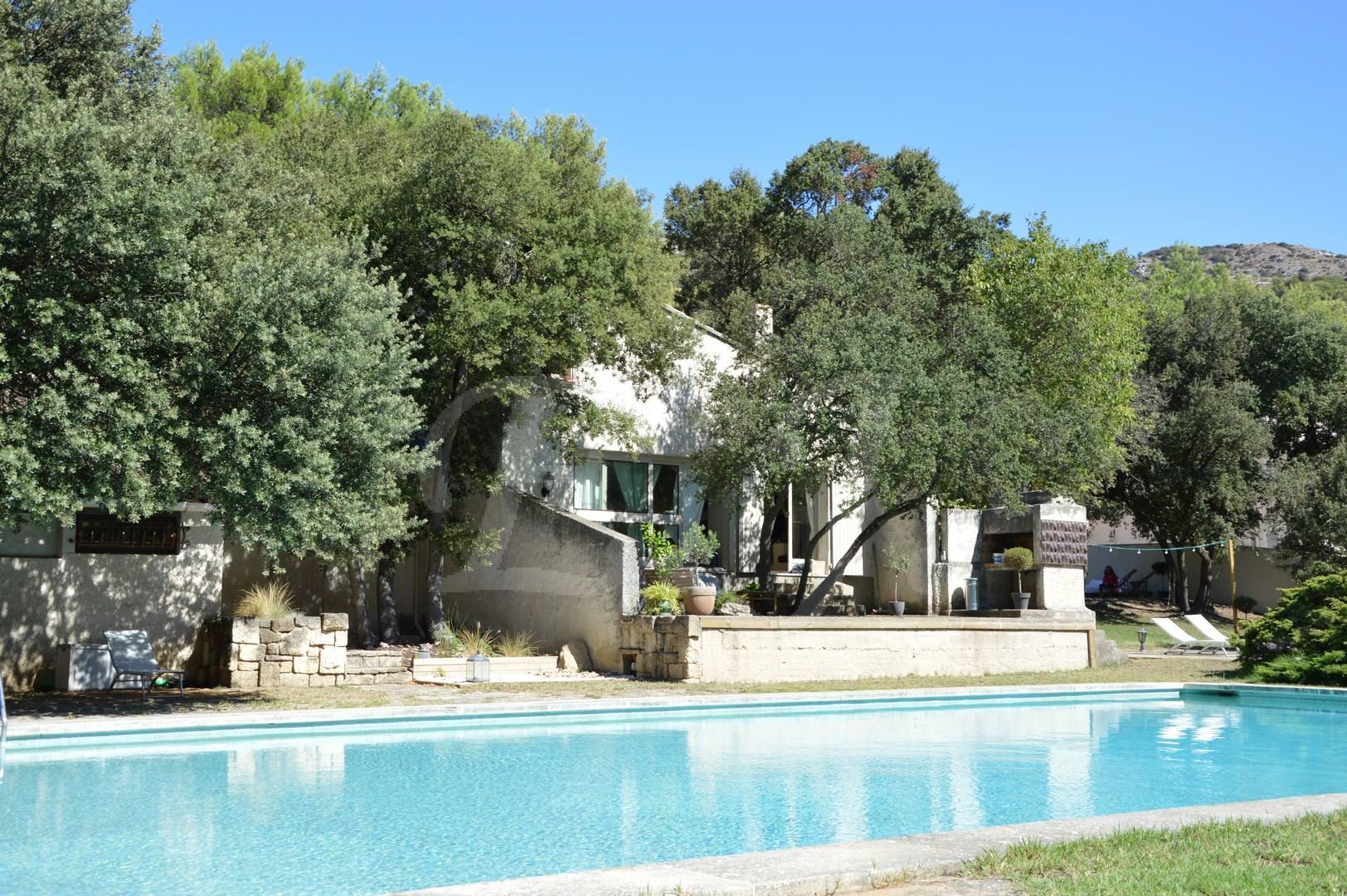 ventes maison t4 f4 cavaillon de plain pied avec jardin arbore et piscine maison et villa. Black Bedroom Furniture Sets. Home Design Ideas