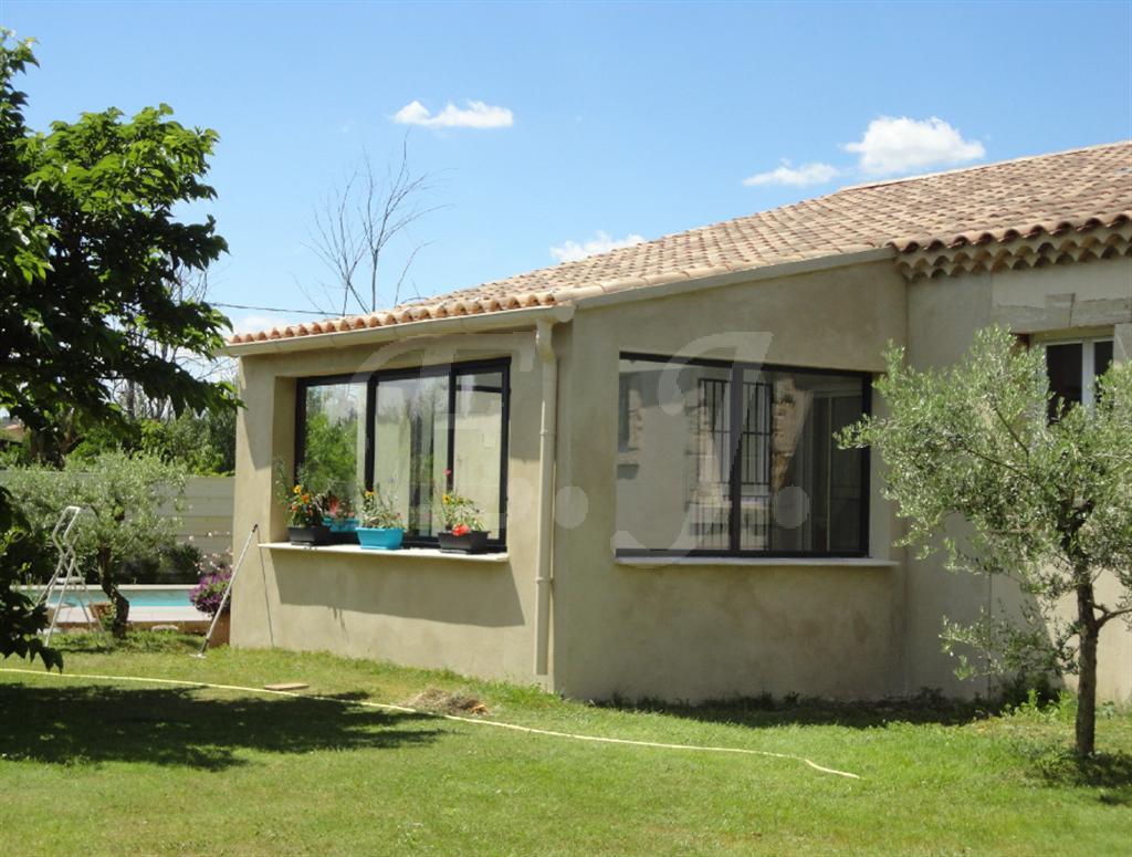 Ventes villa t6 f6 cavaillon de plain pied beaux volumes for Prix piscine 5x10