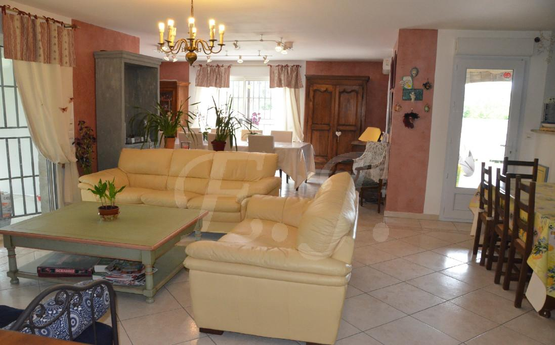 3 chambres 84300