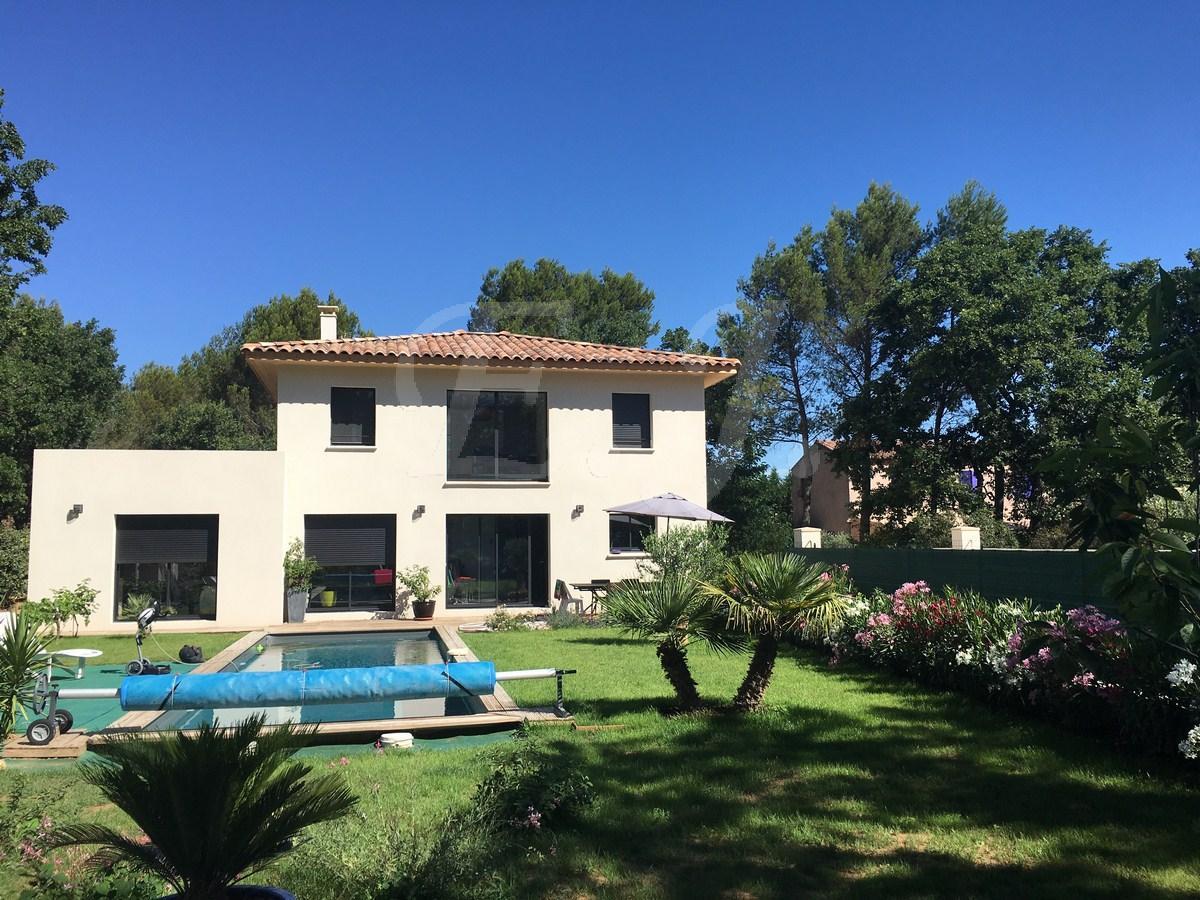 Ventes villa t4 5 f4 5 maubec exceptionnelle villa neuve for Villa neuve