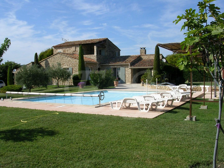 Ventes maison t6 f6 gordes dans hameau belle maison en pierres jardin piscine vue sur le luberon - Vente maison jardin nimes toulon ...