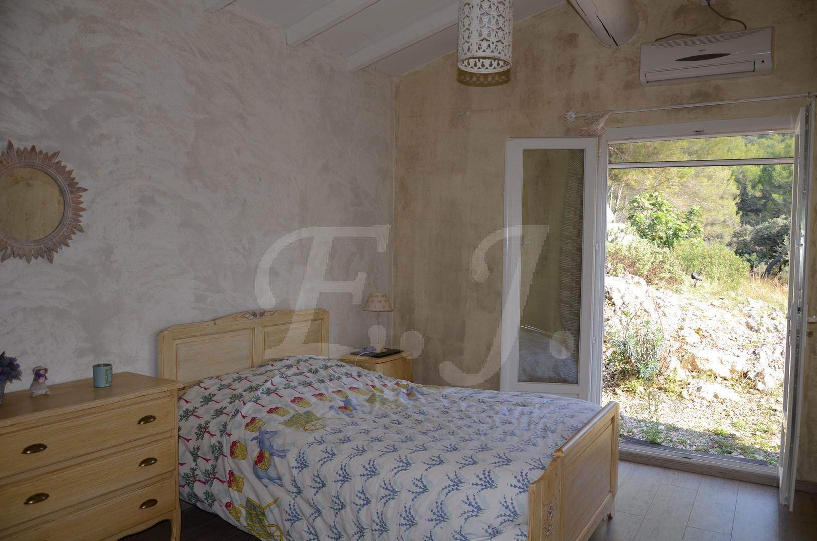 Vente Maison  T6 Cavaillon Prestations de qualités beaux volumes et jardin avec piscine