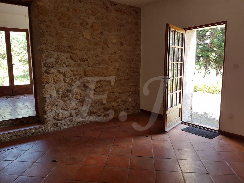Vente Maison  T7 Taillades En campagne grande maison avec 6 chambres au calme et face au Luberon