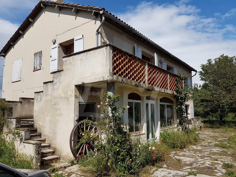Maison  T7 Taillades En campagne grande maison avec 6 chambres au calme et face au Luberon