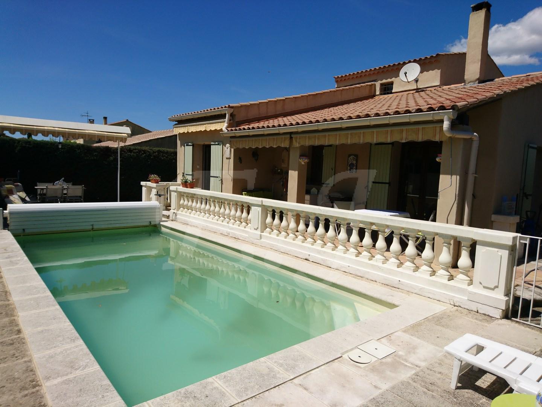 Vente Maison  T5 Apt Au calme sur terrain avec piscine et proche commerces