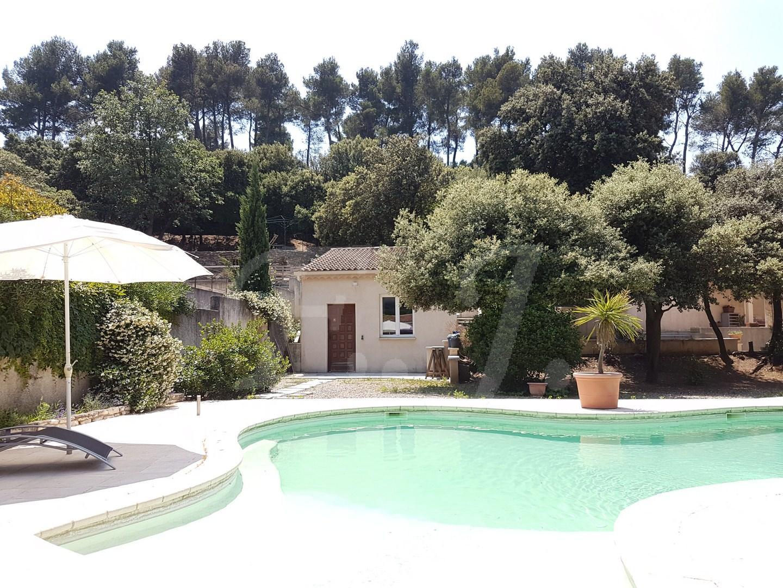 Vente Maison  T7 CAVAILLON Proche LES TAILLADES , en campagne avec piscine et possibilité de deux logements