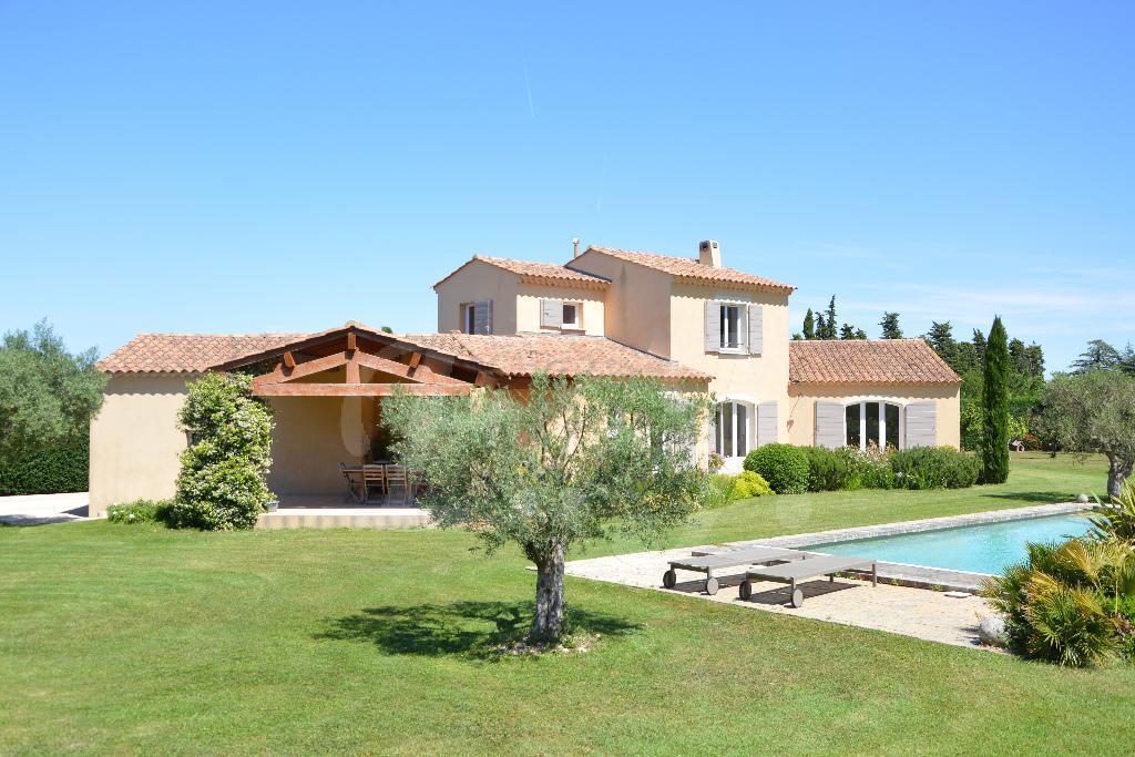 Vente Villa T6/7 Cavaillon Dans un environnement privilégié avec vue panoramique sur le Luberon