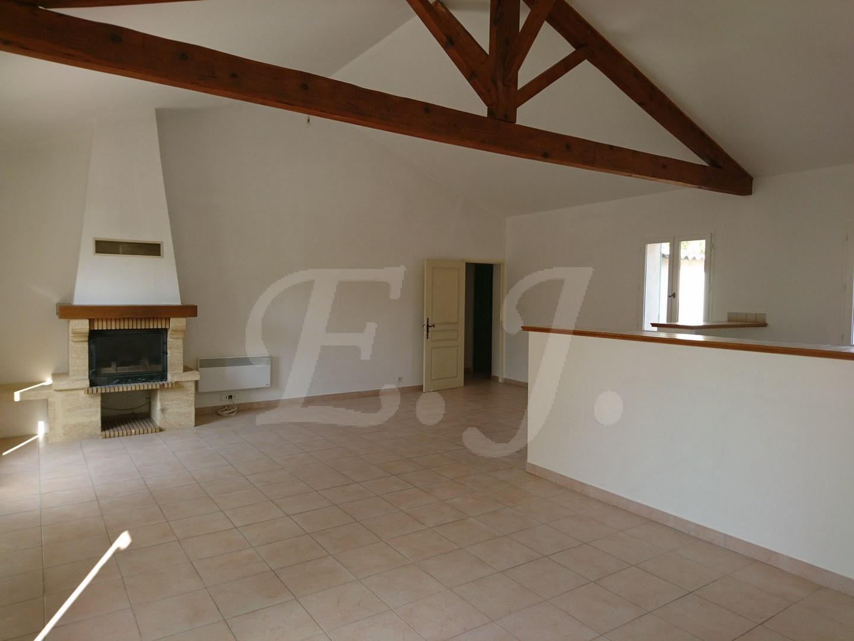 Vente Maison  OPPEDE 4 pièces, avec jardin , vue Luberon et abri voiture