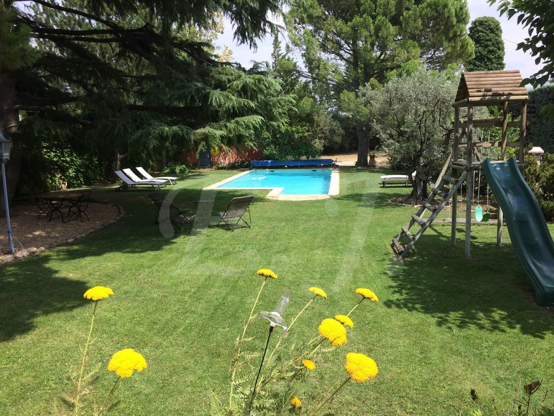 Maison  Cavaillon 6 pièces avec jardin arboré et piscne
