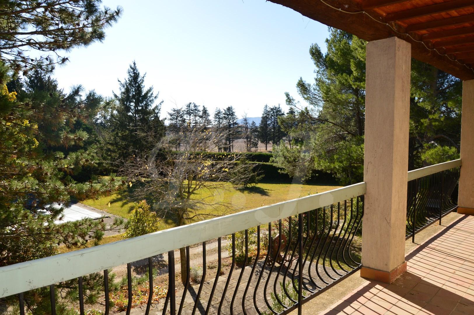 Vente Maison  T5 Cheval Blanc En campagne grand terrain avec piscine et garages