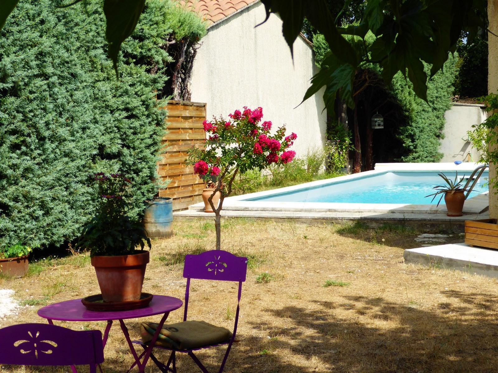 Maison  T4 Robion de 100m2 avec jardin, garage et piscine