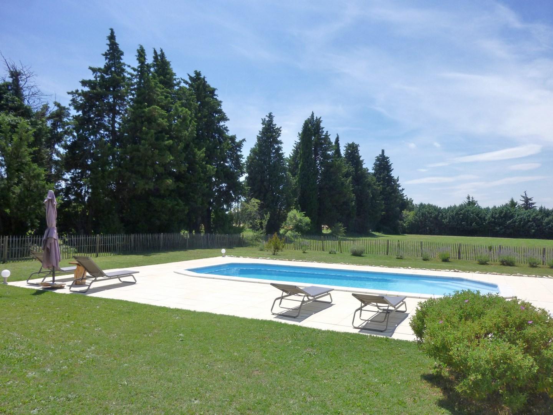 Ventes mas proven al t9 f9 robion bel environnement grand for Environnement piscine