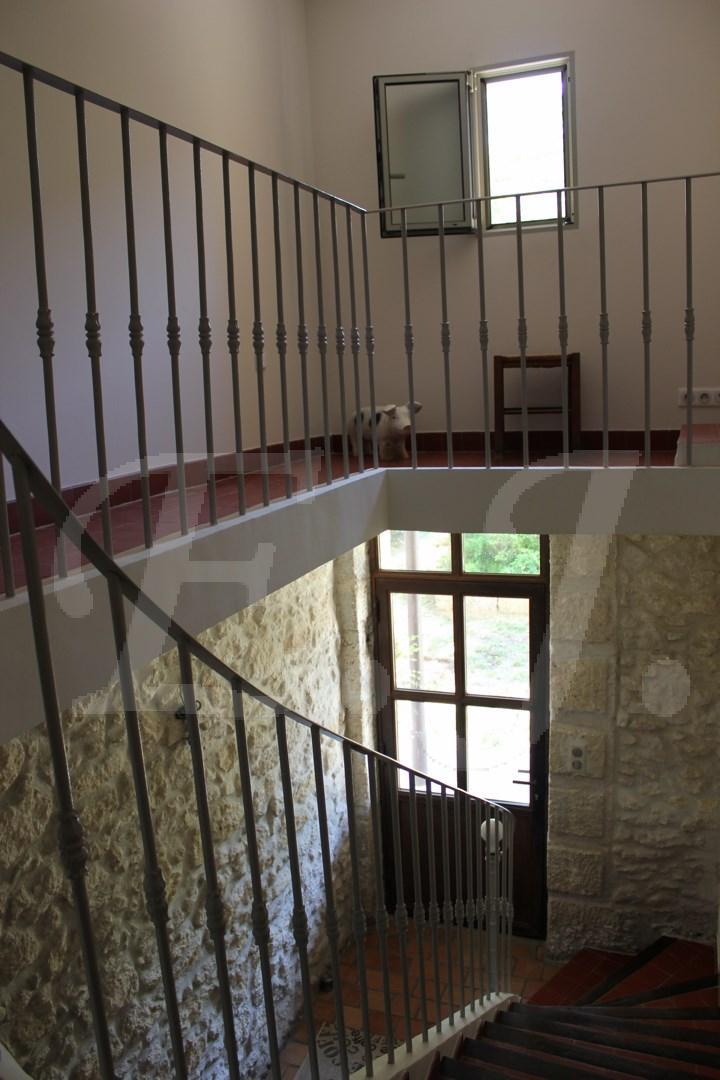Maison en pierre a vendre au pied du Luberon