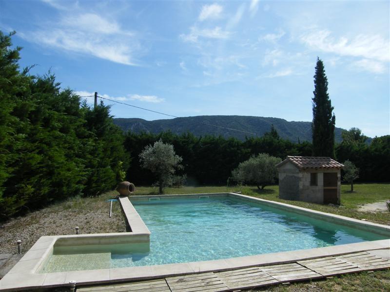 Ventes maubec vaucluse 84 maison 155 m 3 chambres garage for Site vente piscine