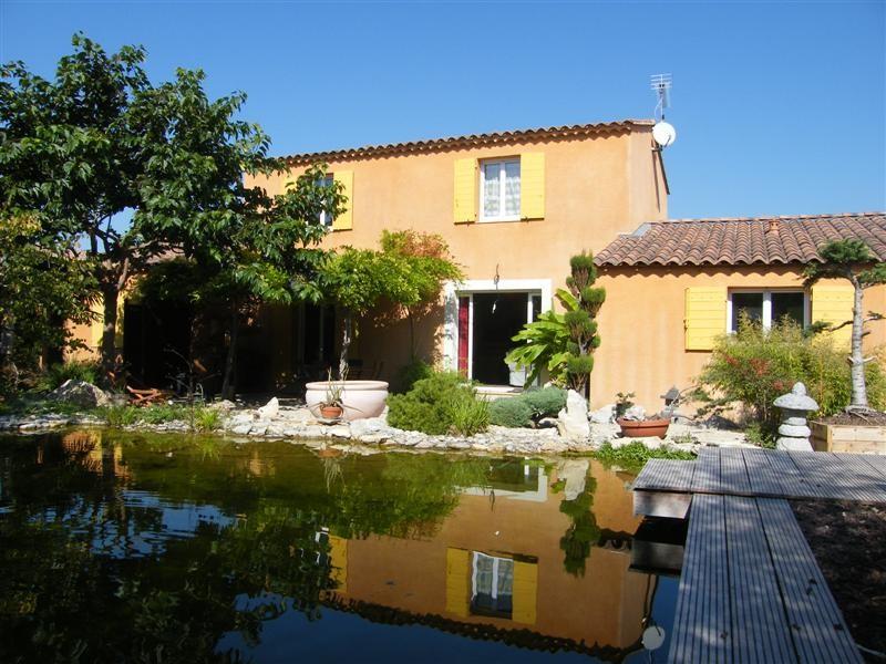 ventes maison lev e d 39 un tage avec garage piscine naturelle et locaux professionnels maison. Black Bedroom Furniture Sets. Home Design Ideas