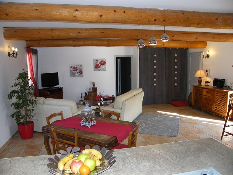 vente belle opportunit cabri res d 39 avignon maison vendre 4 chambres 1 bureau sur joli. Black Bedroom Furniture Sets. Home Design Ideas