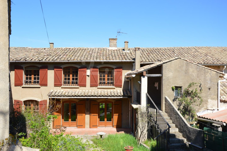 Centre village de robion maison a vendre