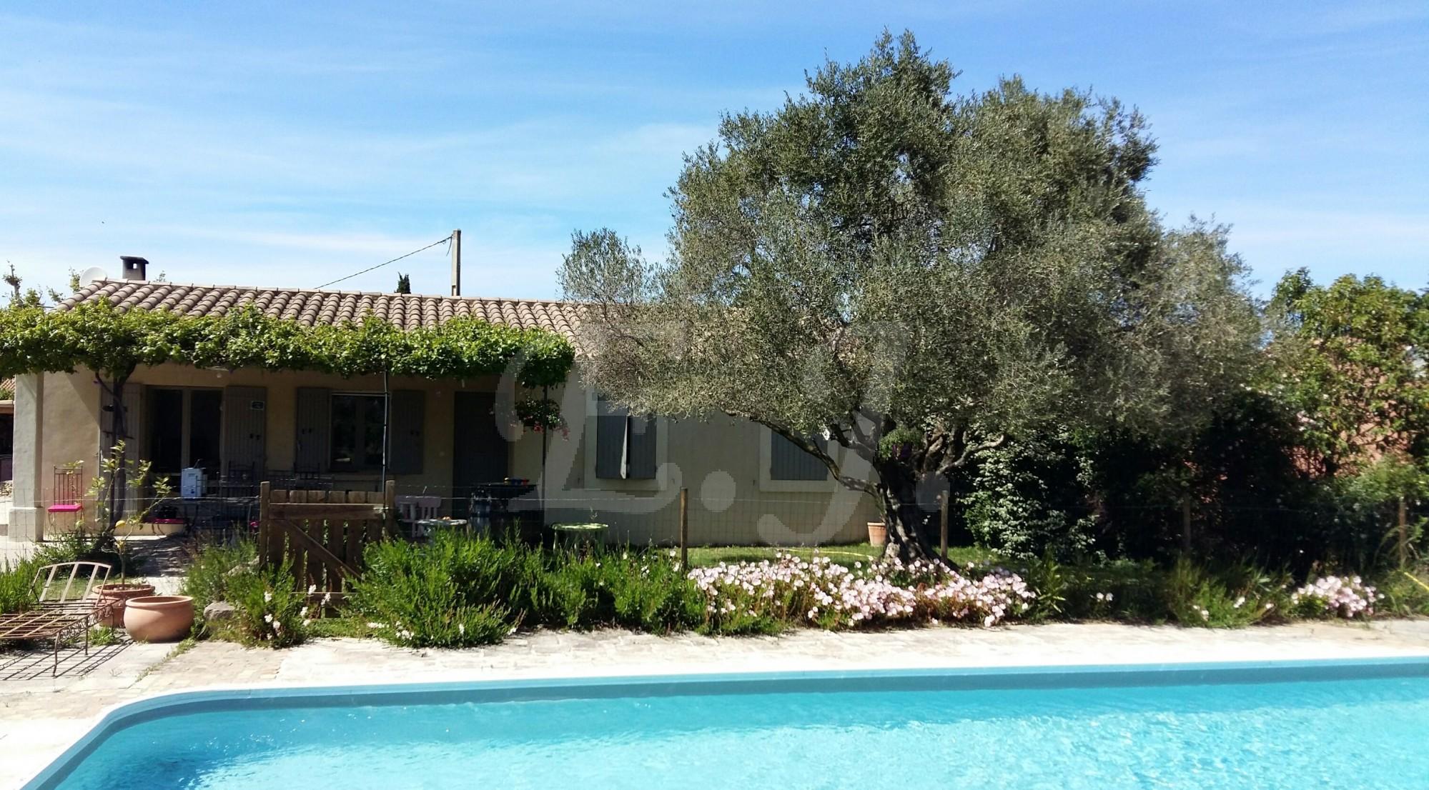 Cheval Blanc maison de campagne avec piscine