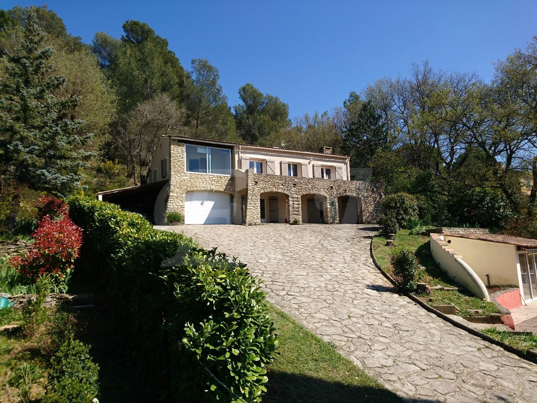 Vente de maisons sur robion et dans le 84 vente maison t8 saignon avec prestations de qualité et vue dégagée