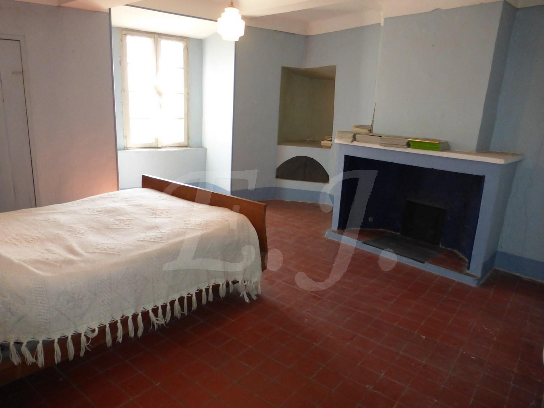 Vente Maison  T7 Lagnes Au coeur du village , 300 M² de surface utile