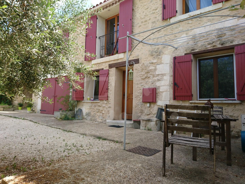 Maison en pierre avec vue a vendre dans le Luberon