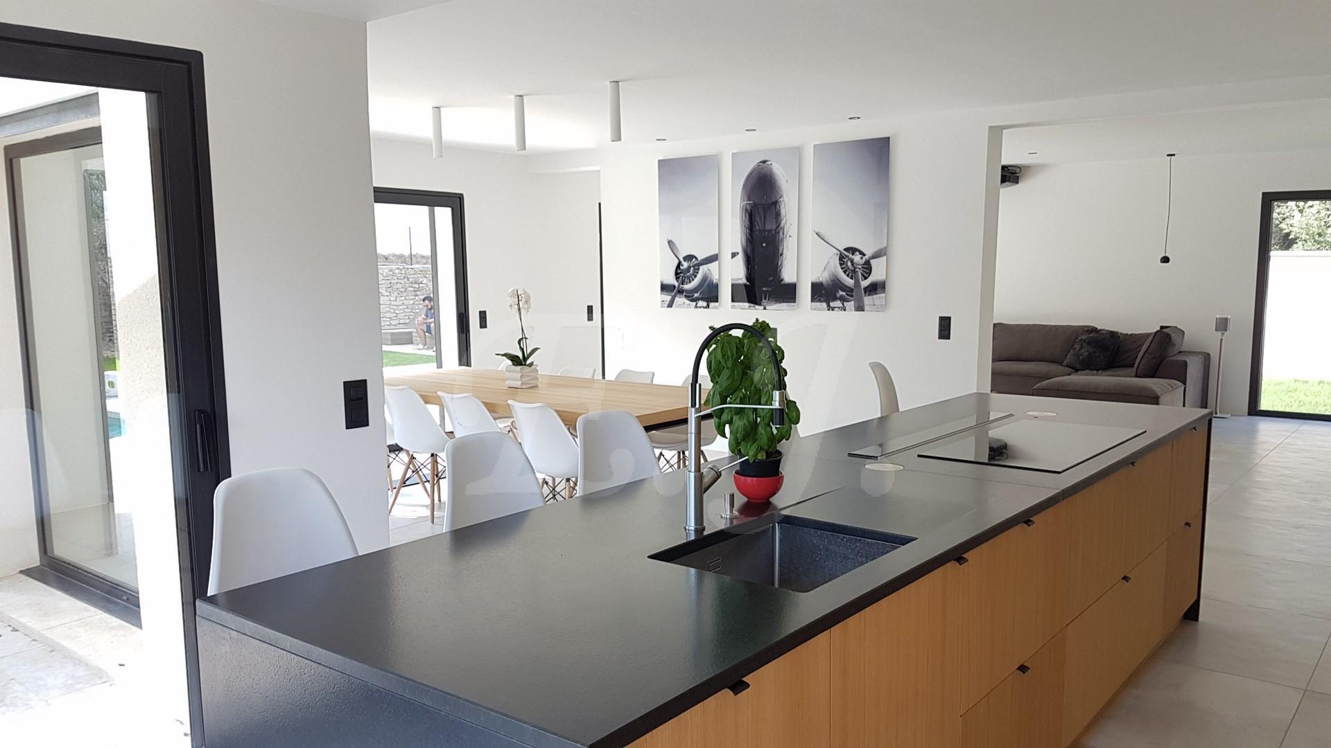 Vente Villa contemporaine T7 Les Taillades UNIQUE SUR LE MARCHÉ DE L'IMMOBILIER , VILLA CONTEMPORAINE CONNECTÉE , AVEC BASSIN DE NAGE ET MAGNIFIQUE VUE LUBERON