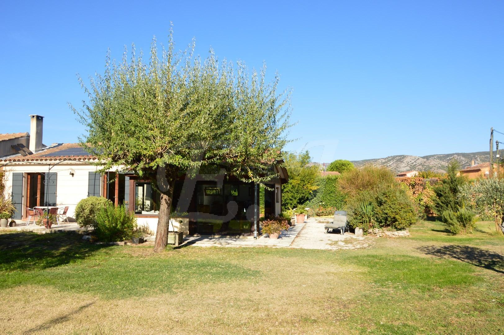 Maison  T5 Cheval Blanc Au calme avec jardin et vue Luberon
