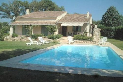Villa T5 F5  piscine Robion  Luberon proche village Achat Vente Luberon