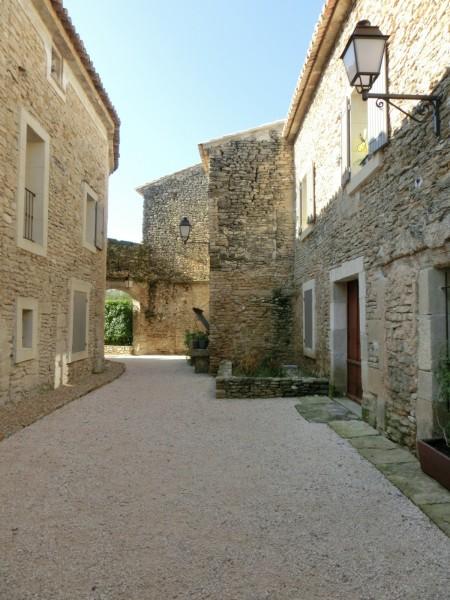 Ancien mas restauré à Cabrières d'Avignon